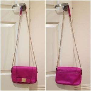 Kate Spade. Fuchsia chain cross body bag